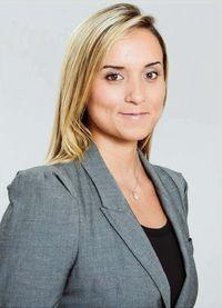 Mme Daniela Fernández